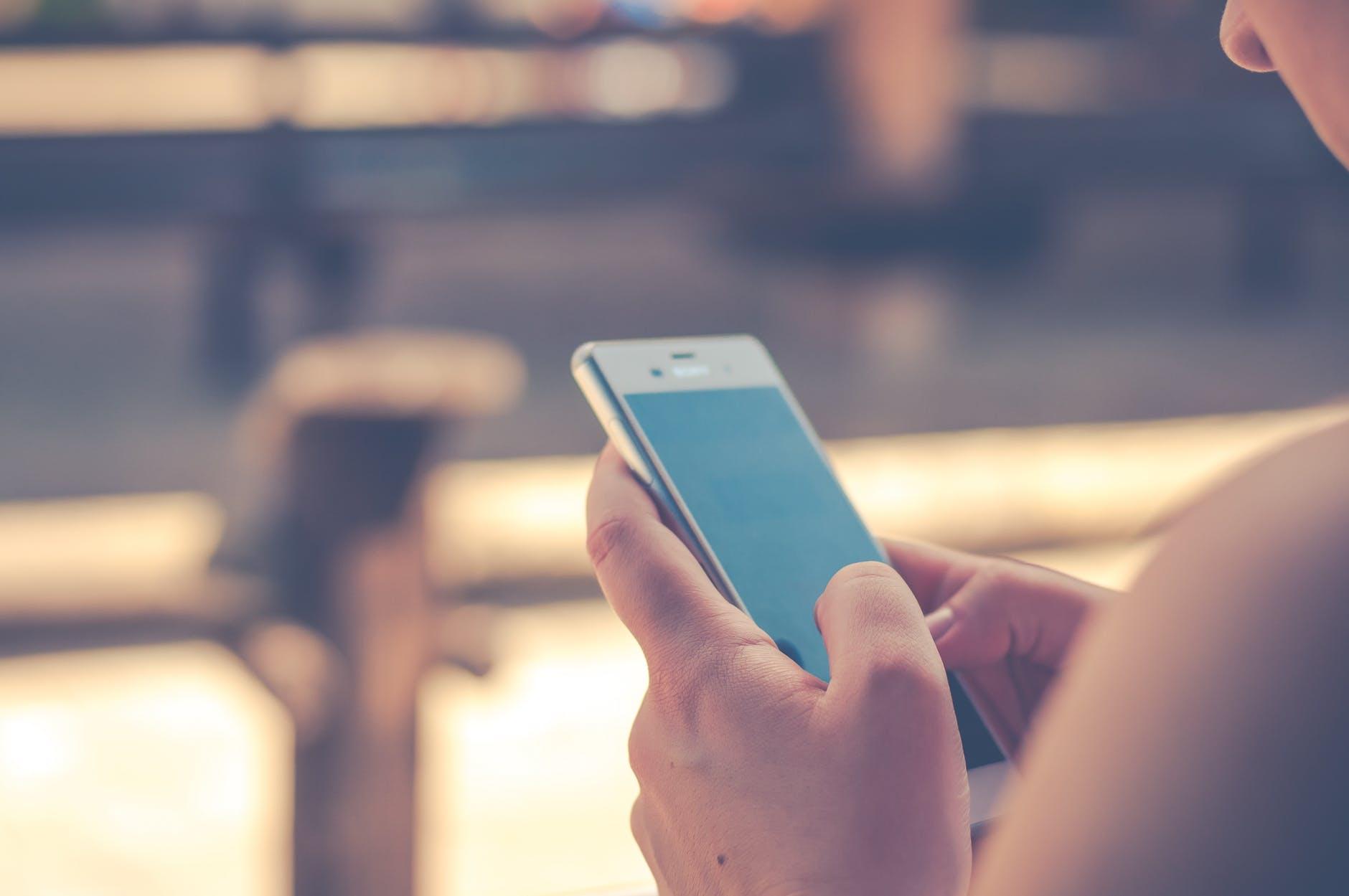 Ubezpieczenie smartfona – co warto wiedzieć?