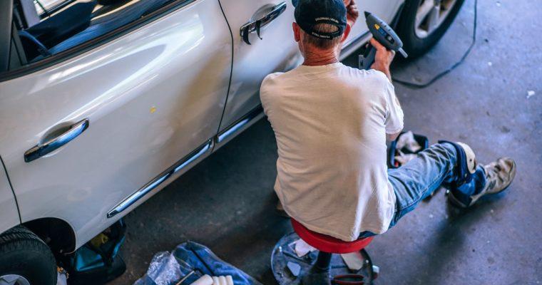 Czy warto dodatkowo ubezpieczyć samochód?